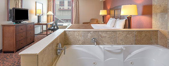 Ramada by Wyndham Niagara Falls Fallsview - 1 King Bed Whirlpool Suite - Dining Voucher Included